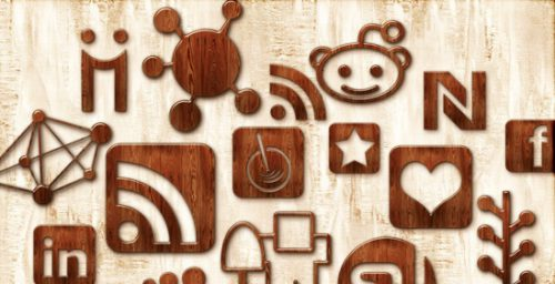 2013 social media icons wood Best of 2013 Free Social Media Icons for Bloggers